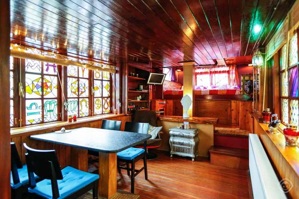 The Houseboat Amsterdam Apartments In Amsterdam Book